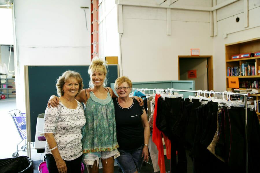 giving_closet_volunteer_2